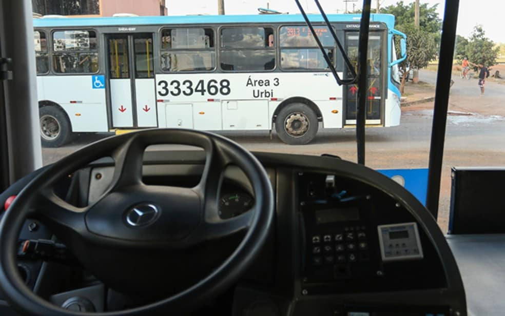 Motoristas do transporte de turismo ganham auxílio de R$ 600 no DF