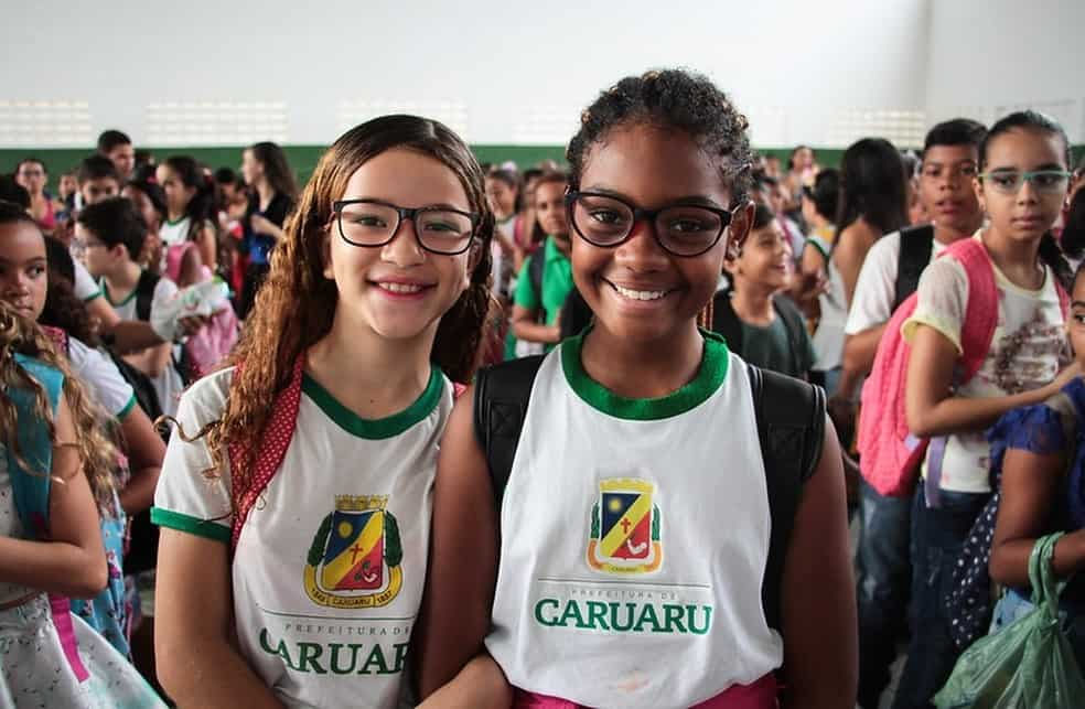 Cartão alimentação em Caruaru inicia 2ª fase de entregas nas escolas