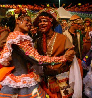 Sem festas de São João, cidades criam auxílio para bandas, artistas e dançarinos