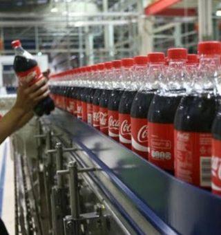 Coca-Cola abre vagas de estágio com inscrições online; salário de R$1,7 mil
