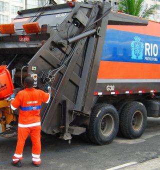 Rio de Janeiro anuncia vacinação de profissionais de limpeza urbana