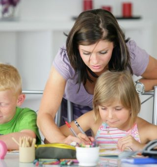 Homeschooling: Como funciona projeto de educação domicilar aprovado na Câmara?