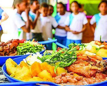 Governo do DF anuncia Cartão Alimentação de R$ 150 durante aulas online
