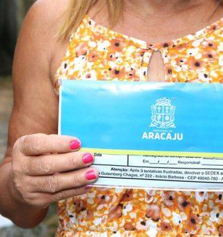 Não recebeu o cartão de auxílio financeiro em Aracaju? Veja quem procurar!