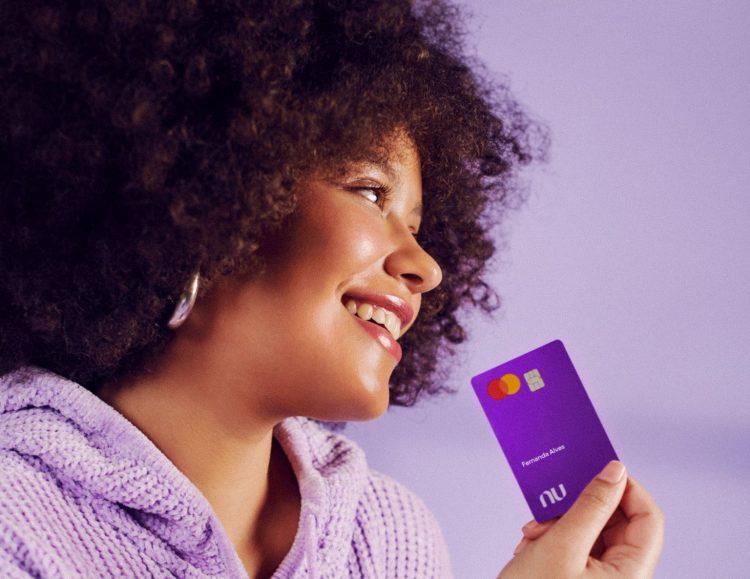 Cartão de crédito Nubank libera parcela de boletos; aprenda como fazer