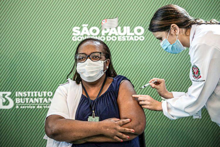 Suspensão da vacina em SP pode atrasar calendário estadual? Doria responde