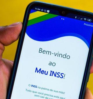 Suspensão da prova de vida do INSS depende da aprovação de Bolsonaro