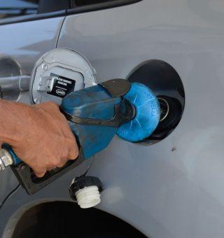 Governo Bolsonaro autoriza venda de qualquer marca de gasolina nos postos