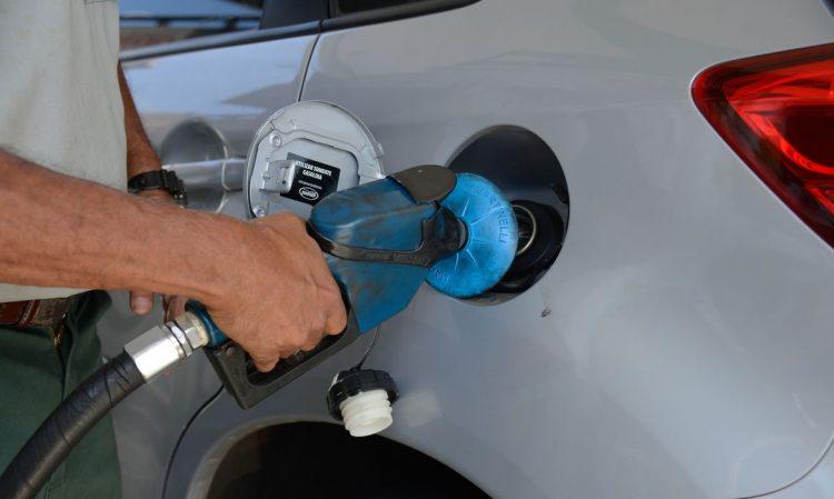 Marca de veículos lança simulador para saber qual combustível é mais vantajoso