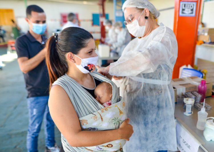 Goiânia vai reabrir cadastro de vacinação da COVID-19 após receber novas doses