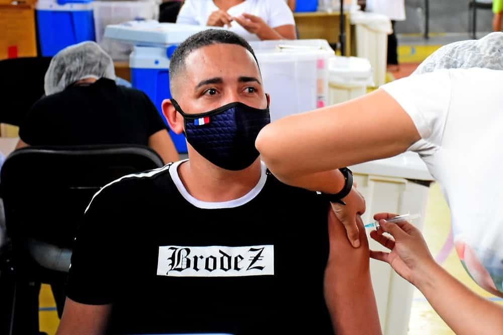 SC aguarda autorização do Ministério da Saúde para vacinar adolescentes