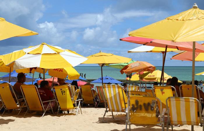 Governo de Pernambuco cria auxílio de R$ 180 para trabalhadores de praia (Imagem: Diário de Pernambuco)