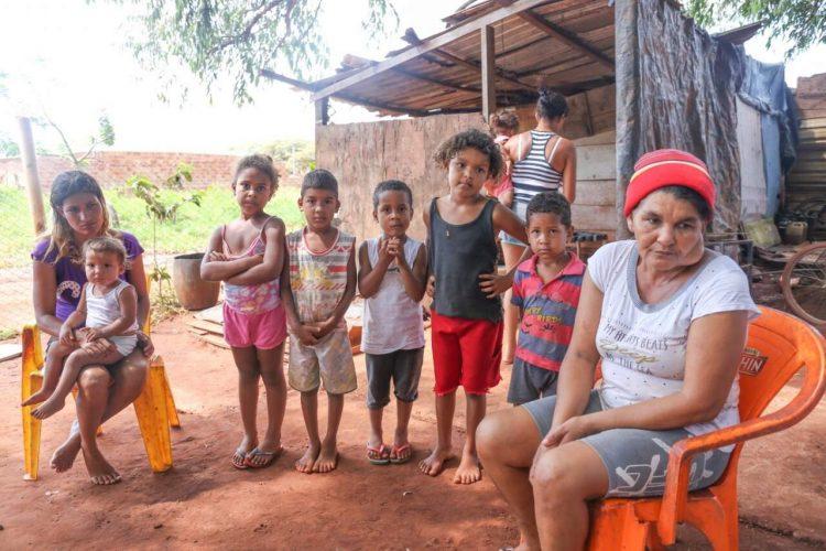 Comissão aprova criação de serviço para proteger famílias em emergência social