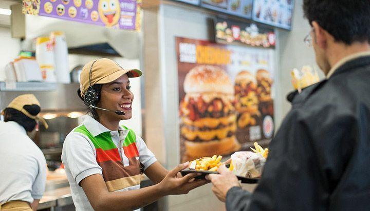 Brasil cria 309,1 mil vagas de emprego formais no último mês, diz pesquisa