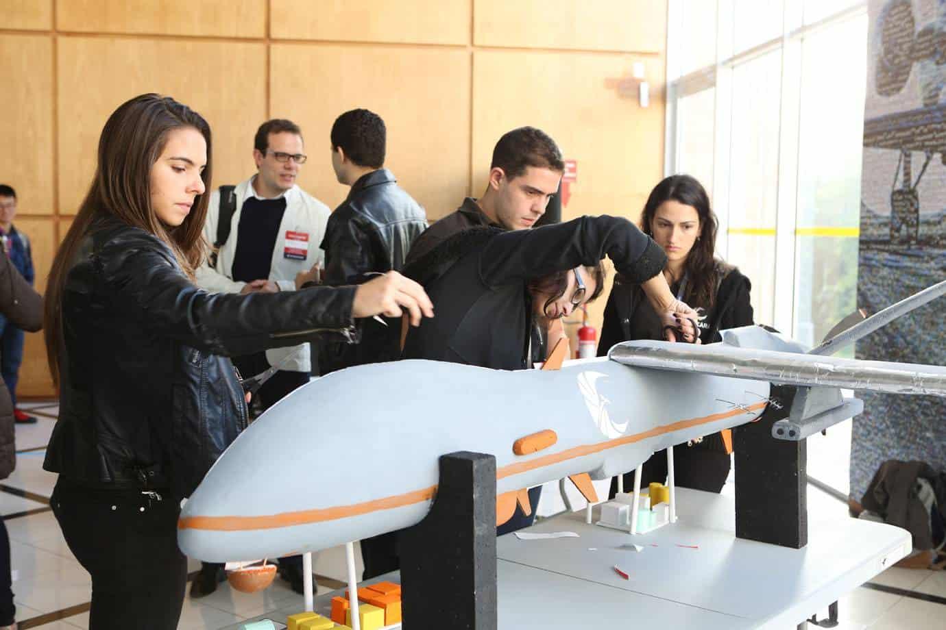 Embraer abre vagas em programa de especialização para engenheiros