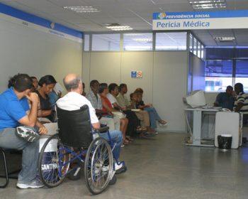 Peritos do INSS questionam solicitação do auxílio doença com envio de atestado
