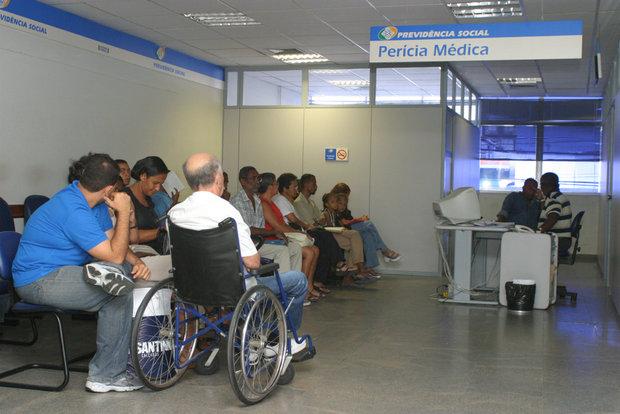 Fila da perícia médica do INSS tem quase 500 mil pessoas esperando por exame