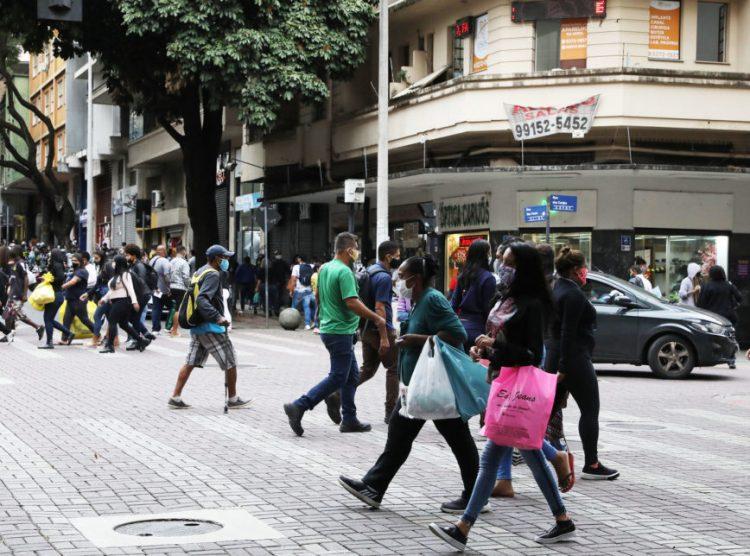 Belo Horizonte divulga novo funcionamento de bares, academias e comércio