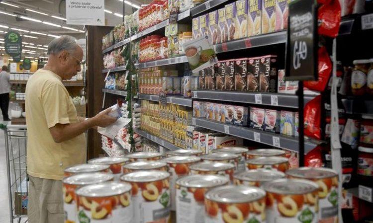 Milhões de funcionários são beneficiados com o vale-alimentação no país