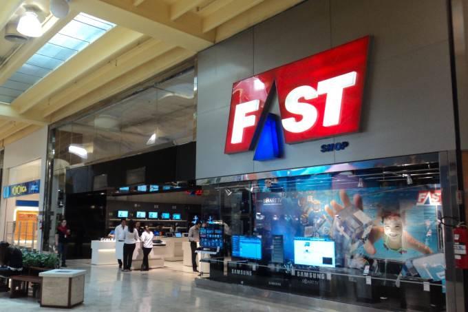 Fast Shop libera descontos, frete grátis e entrega mais rápida no seu aniversário