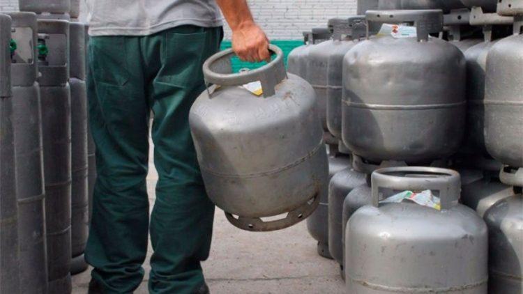 Vai ser criado um vale-gás nacional? Petrobras e Bolsonaro se contradizem