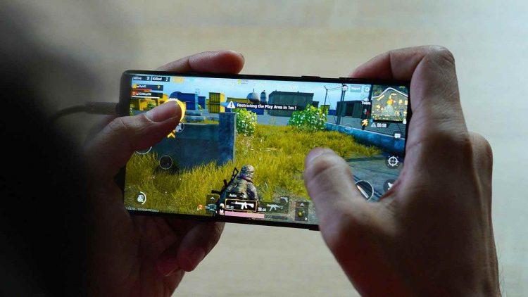 Bolsonaro assina nova redução de impostos para videogames e jogos