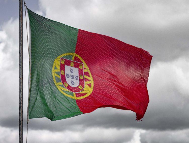 Trabalhe em Portugal! Empresa abre 400 vagas de emprego para brasileiros