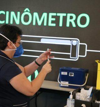 São Paulo antecipa calendário de vacinação da COVID com prazo final para agosto