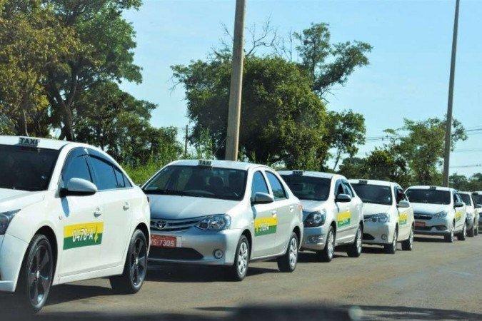 Distrito Federal paga 1ª parcela do auxílio para motoristas de turismo