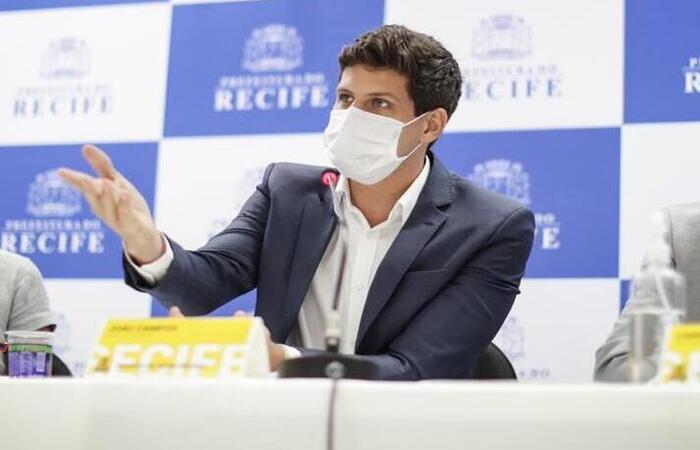 Recife anuncia vacinação contra COVID-19 para pessoas acima dos 23 anos