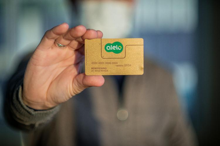 Cartão SC Mais Renda inicia distribuição para moradores de Brusque