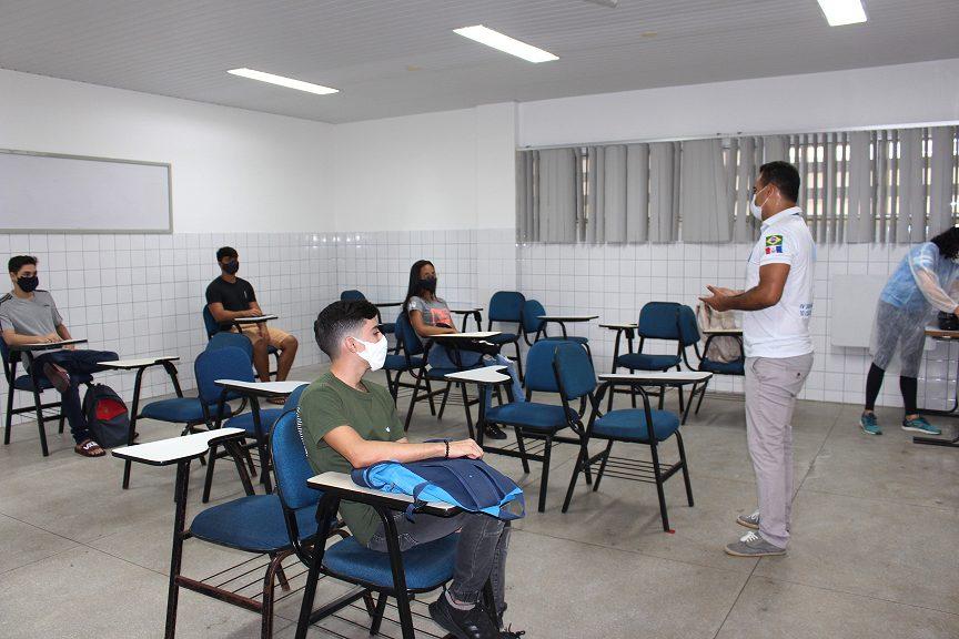 Volta as aulas presenciais em Maceió conta com visita da vigilância sanitária