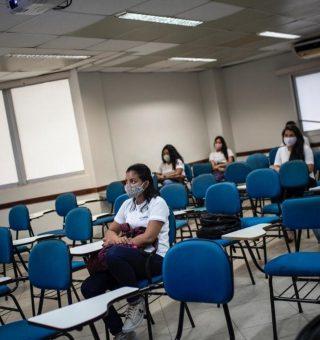 Manaus anuncia retorno 100% presencial das aulas neste mês