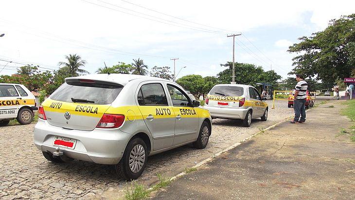 Projeto solicita isenção do IPVA para donos de autoescola em Alagoas