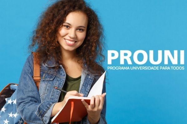 PROUNI abre inscrições para candidatos interessados na lista de espera (Imagem: Brasil Escola)
