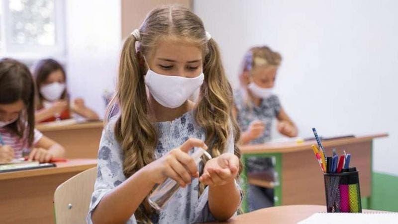 Volta às aulas presenciais em São Paulo começa com testes contra COVID e mais