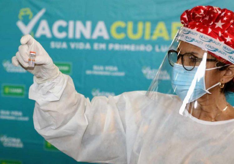Prefeitura de Cuiabá inicia vacinação para maiores de 18 anos