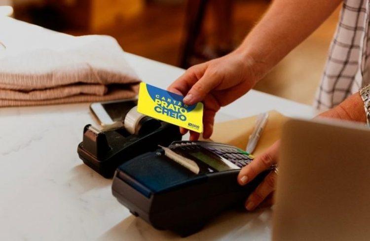 Cartão Prato Cheio distribuiu auxílio alimentar para 38 mil famílias, diz secretária