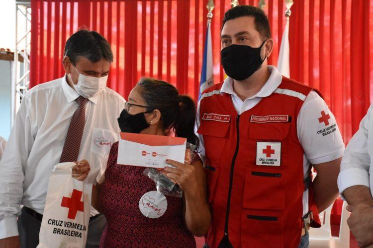 Teresina anuncia liberação de tíquete financeiro para alimentação e higiene das famílias