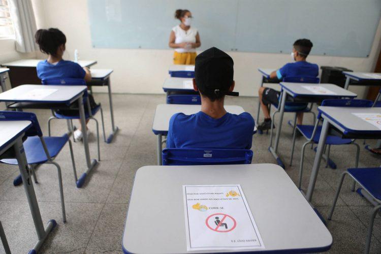 Entra em discussão no Senado projeto que desobriga gastos com a educação