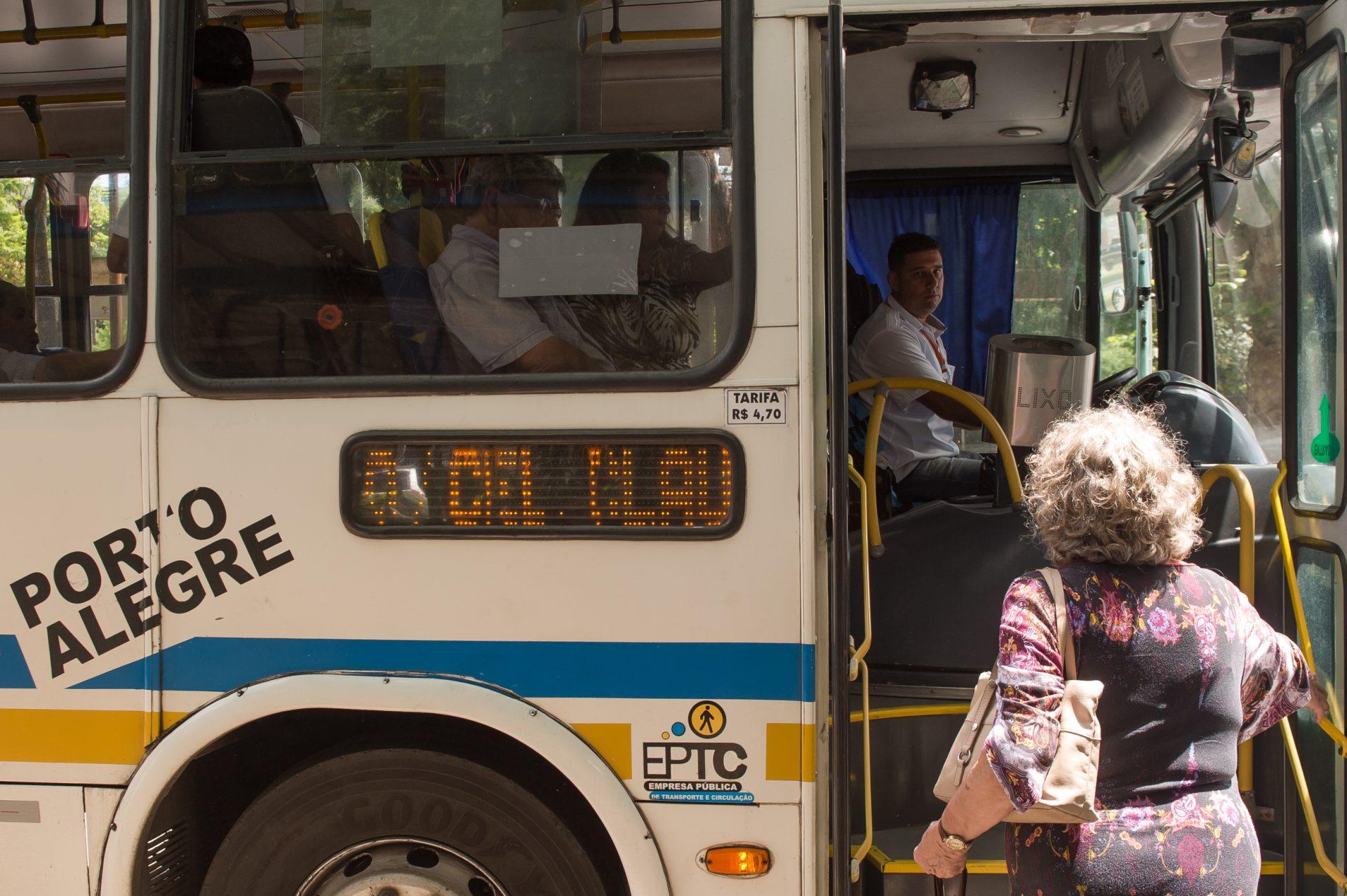 Vereadores de Porto Alegre aprovam extinção de importante classe trabalhadora