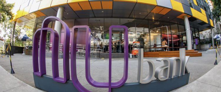 Nubank divulga nova parceria com Creditas para aumentar oferta de empréstimo