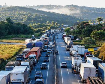 Nova greve dos caminhoneiros: 15 rodovias estão paradas em forma de protesto
