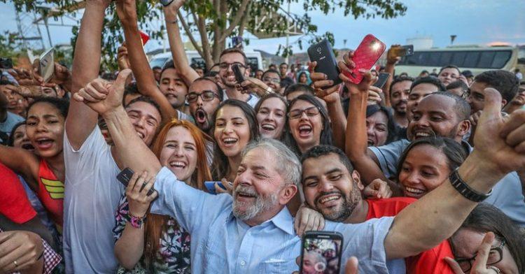 Lula lidera pesquisa eleitoral de 2022; Auxílio Brasil pode ajudar  Bolsonaro na recuperação?