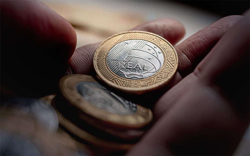 Nova estimativa do salário mínimo vai mudar pagamento mínimo e máximo do INSS (Imagem: Portal FGV)
