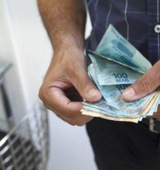 Salário mínimo ideal para este ano é 5 vezes maior que o atual, diz pesquisa