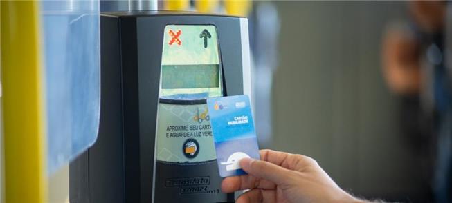 Cidade do Paraná suspende restrições para usar cartão gratuidade no transporte