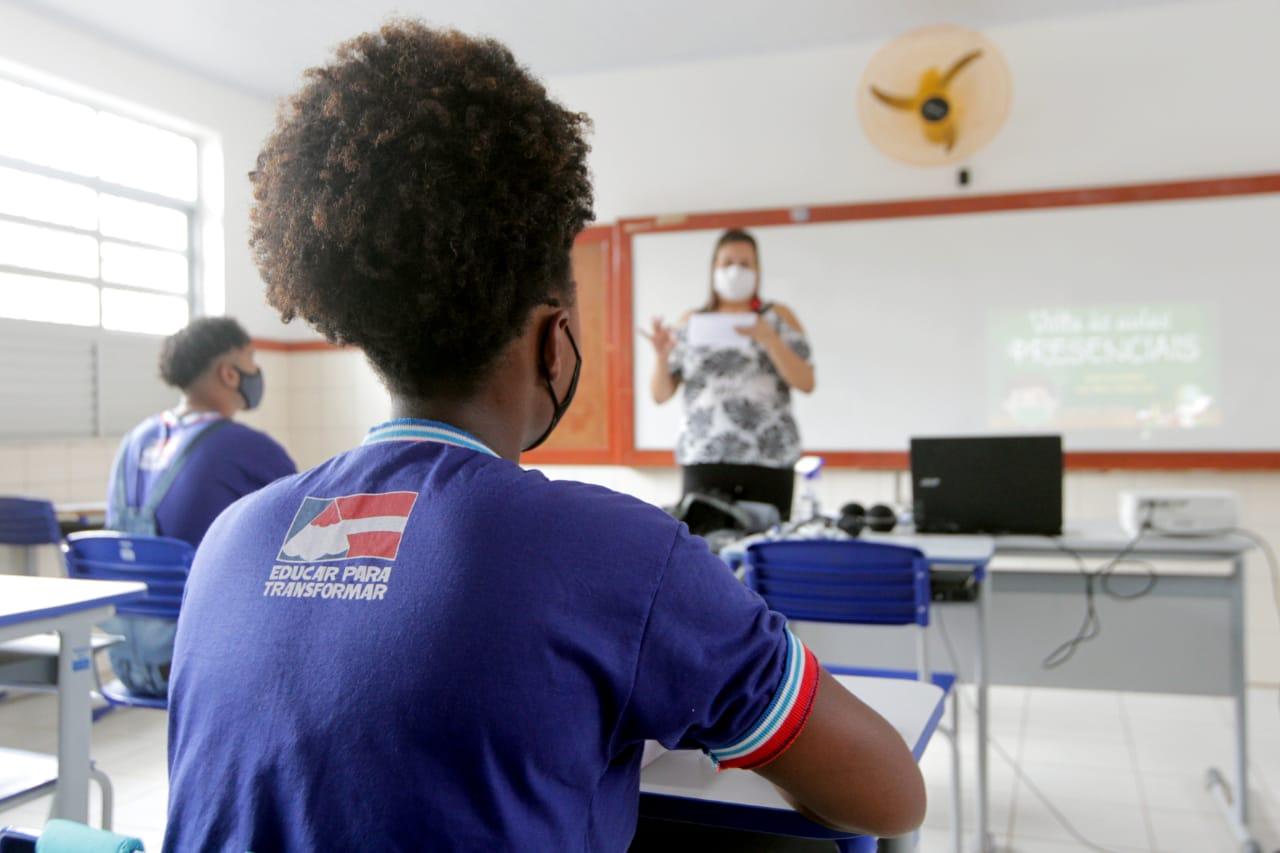 Escolas estaduais da Bahia retornarão às aulas presenciais a partir do dia 18