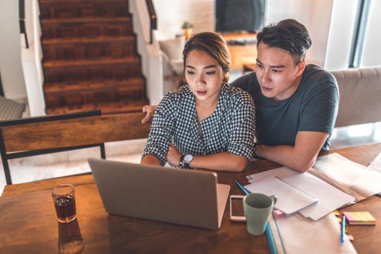 Evite brigas por dinheiro! Veja dicas financeiras para casais organizarem o orçamento