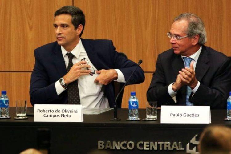 O que significa offshore? Guedes e Campos Neto estão em polêmica deste sistema